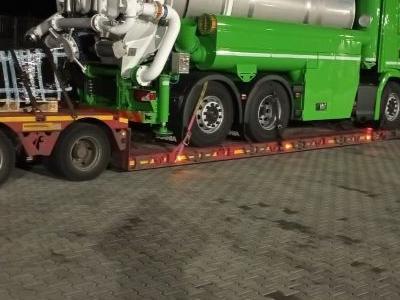 samochód ciężarowy z ładunkiem 3